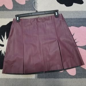 💜Beautiful Express Faux Leather Skirt 💜